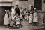 Annamaria: moja majka Luzarka Ceko i Unijske žene ispred Unijske tvornice 1961