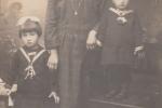 Clara: Nonna Mattea con mia mamma Giulia e mia zia Jolanda.