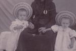 Clara: La mia bisnonna Marianna con i miei zii Gianni e Paolo (si sono maschietti), fratelli di mio padre.