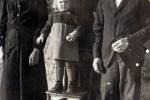 Jani: Anježa s roditeljima i susjed s broja 10 coto Romula (Josip (u sredini))