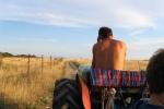 Meho vozi traktor