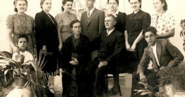Anton i Marija Nikolić s obitelji