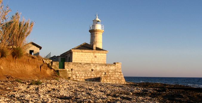 Otok Unije - svjetionik